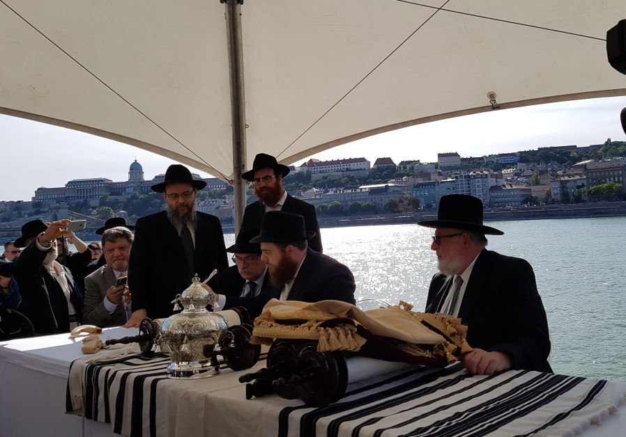 New synagogues inaugurated in memory of Danube Holocaust victims
