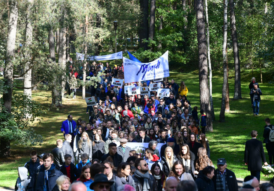 1000 join March of The Living in Lithuania