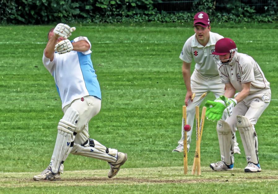 Old Finchleians Cricket Club v Highgate Taverners Cricket Club at Old Finchleians Memorial Ground, W