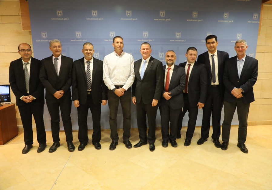 Knesset Speaker Yuli Edelstein with the new Members of Knesset