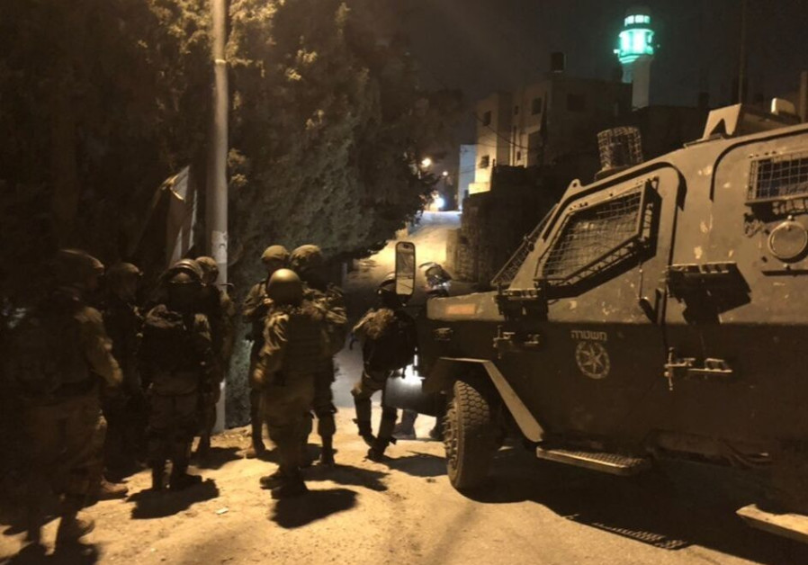 IDF nabs 8 Hamas 'leaders' in Hebron