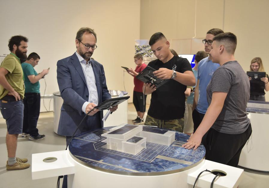 EU delegation to Israel promotes climate education through art