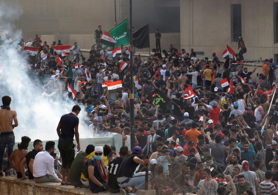 One dead, two hundred injured in Iraq protests