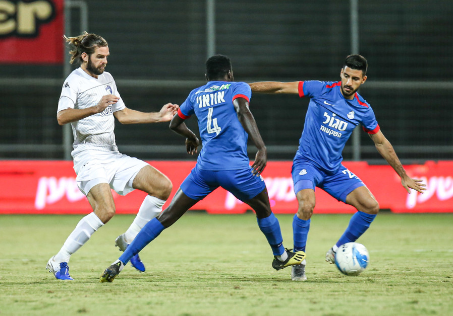 Beersheba, Maccabi Haifa pressure defending champion Maccabi Tel Aviv