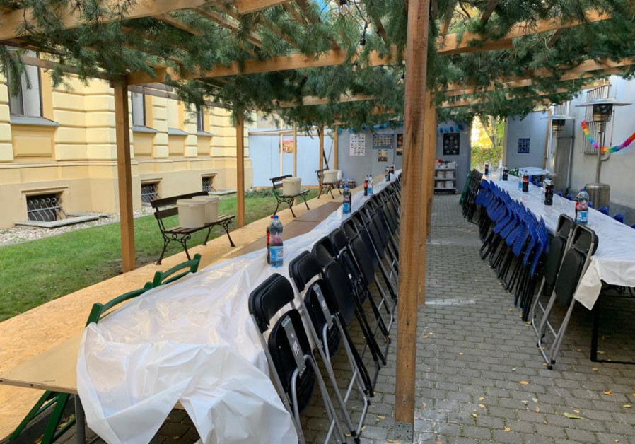 The fallen Sukkot of Jewish Poland