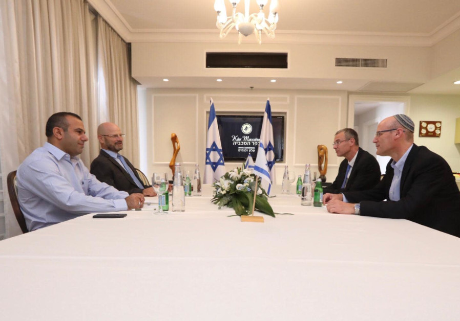 Political deadlock as Likud, Blue and White make no breakthroughs