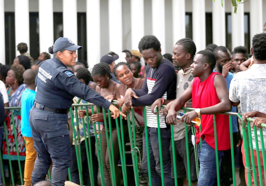 Migrant voices echo with wit, nostalgia