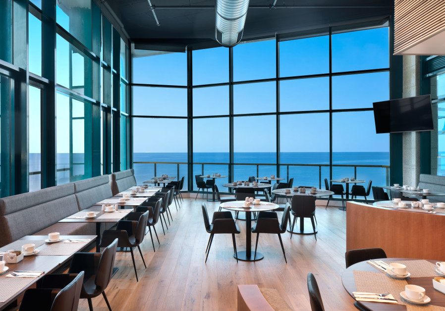 Wine and dine at Okeanos Suites Herzliya (Photo Credit: ASSAF PINCHUK PHOTOGRAPHY)