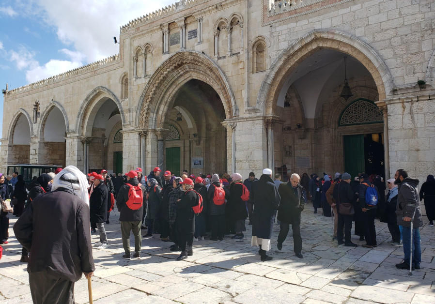 Pilgrims and tourists outside Al-Aqsa Mosque after the second prayer of the day (Credit: Shakir Rimzy)