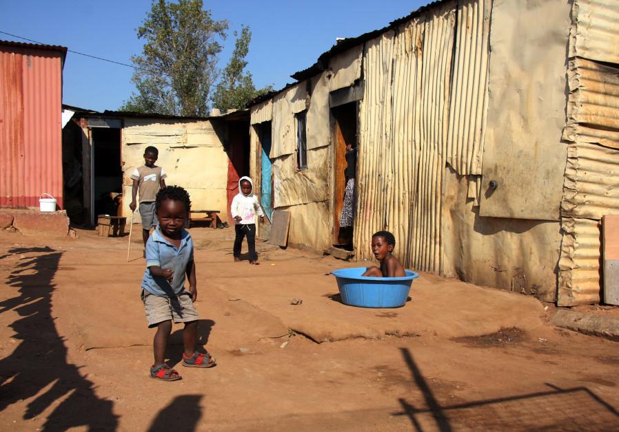 Children in Kliptown, Johannesburg, South Africa. (Photo: Ilan Ossendryver)