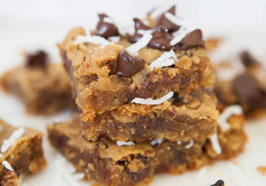 Chickpea Blondies (Photo Credit: The Nutrition Twins)