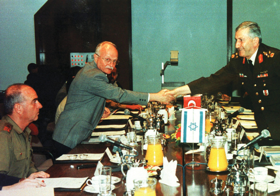 DAVID IVRY (left), then heading up the Defense Ministry, meets with Turkish deputy army chief Cevik Bir at the Defense Ministry in Tel Aviv in 1997. (Reuters)