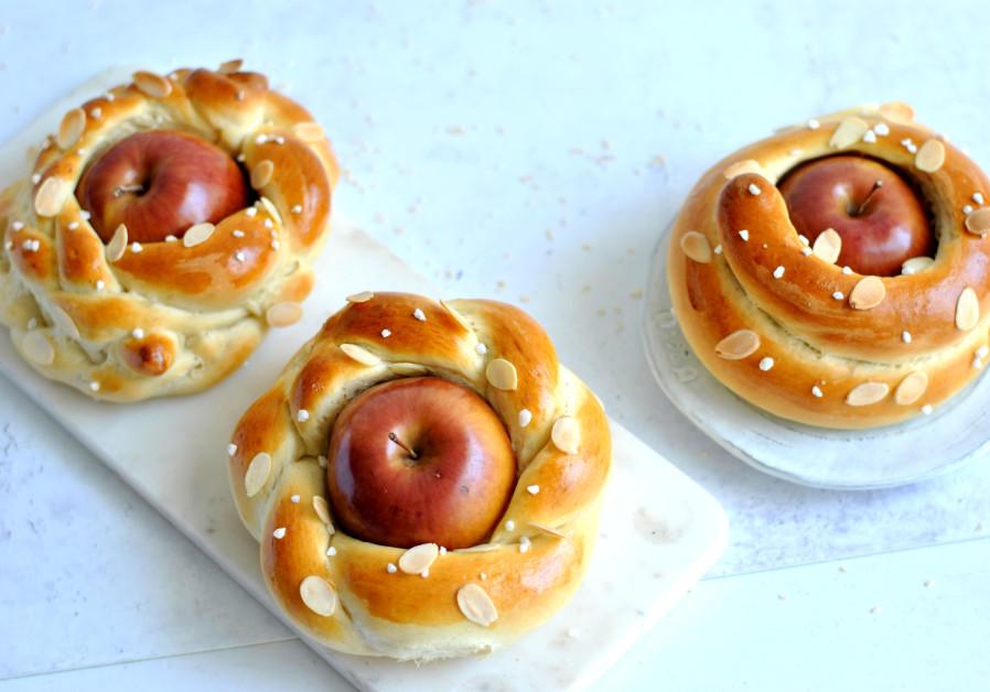 Rosh Hashanah Challah with apples