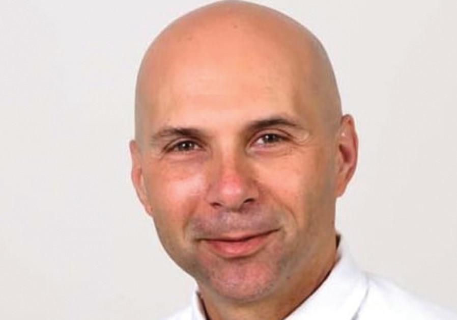 Ilan Koren - manager of the Eshel branch of Bank