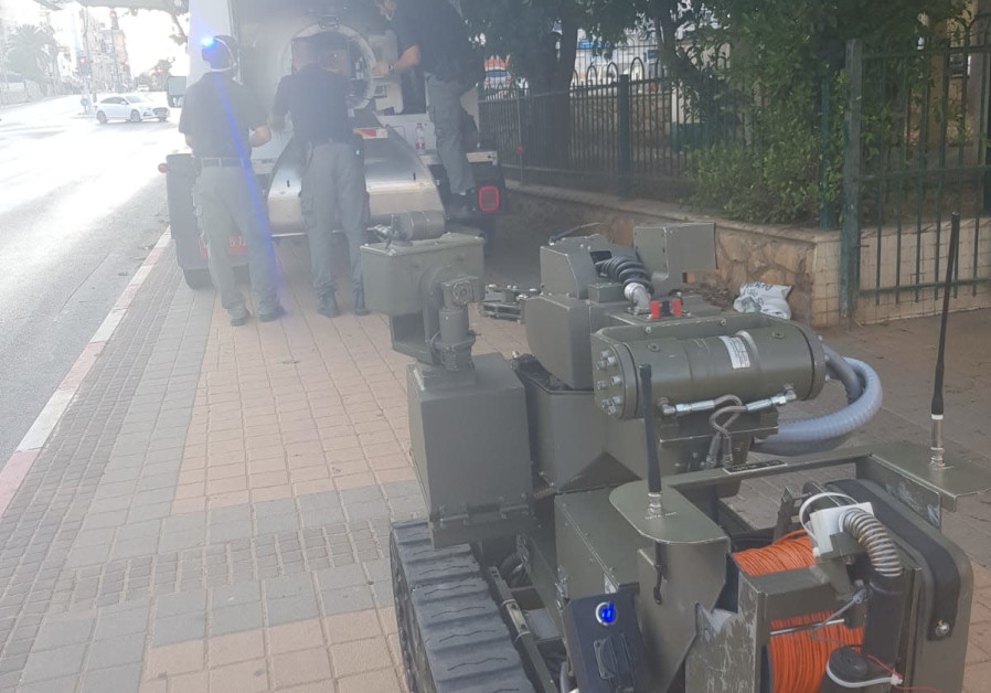 Police used an armored robot to evacuate the materials found in the Hadera apartment, October 4, 2020.
