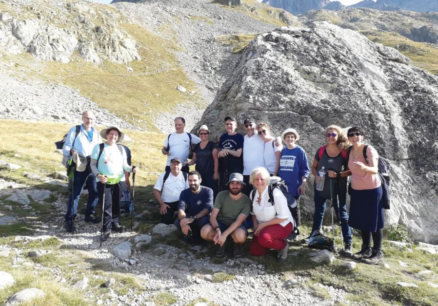 On the way up to the Col de Fenestre. Survivor Eli Schonbrunn surrounded by descendants of survivors from Canada, England, France, Israel and the US. September 15, 2019. (Courtesy, Schonbrunn family)