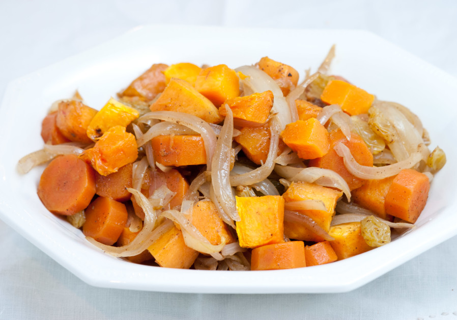 PUMPKIN STEW with carrots and raisins. (Orly Ziv)