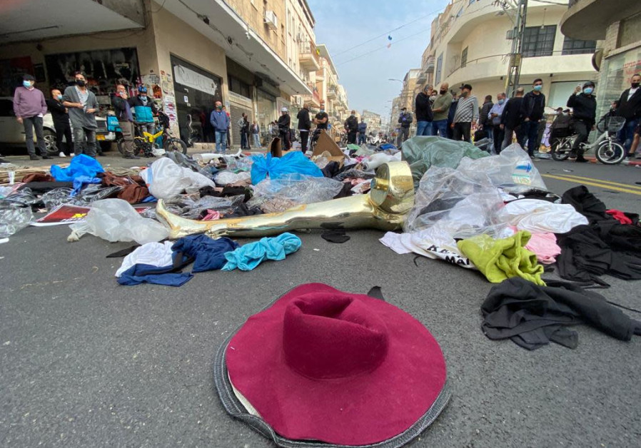 Shop and small business owners protested coronavirus lockdown regulations in Tel Aviv (Avshalom Sassoni/ Maariv)