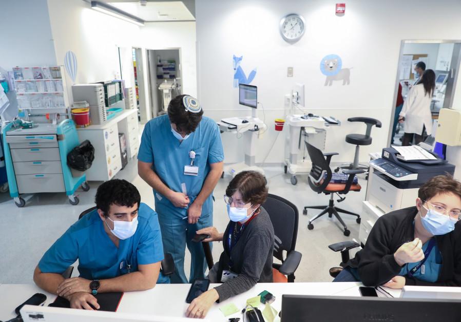 AFFILIATED WITH BGU's Medical School, Assuta Ashdod is helping to train Israel's next generation of physicians. (Marc Israel Sellem)