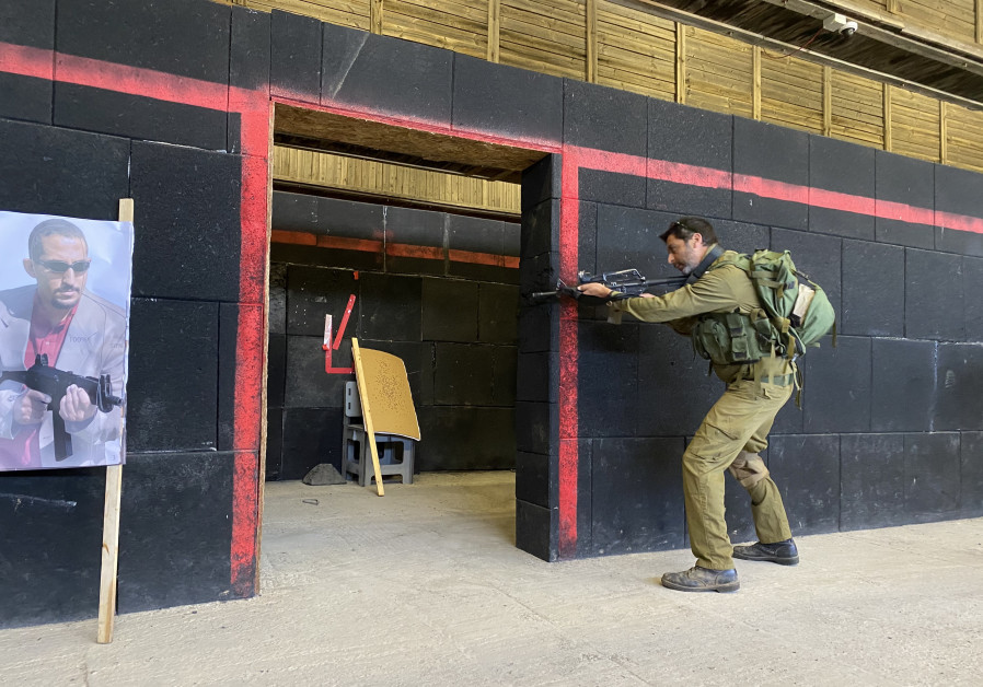 An IDF soldier is seen training at the Ground Forces Command new training center. (Photo credit: Udi Shaham)