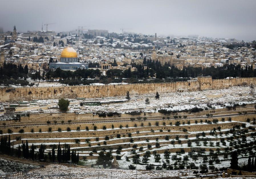Snow view of Jerusalem, February 18, 2021. (Credit: Marc Israel Sellem/The Jerusalem Post)