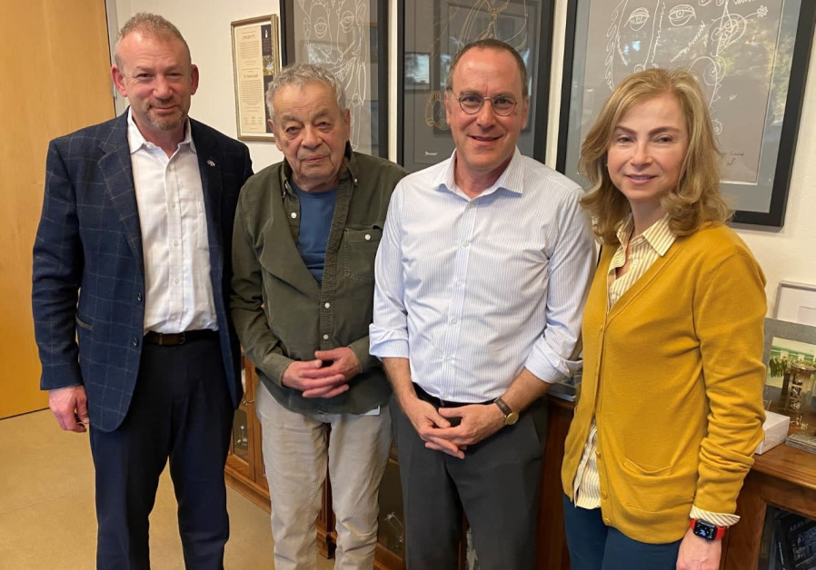 Left to right: AABGU CEO Doug Seserman, Nahum Guzik, BGU President Prof. Daniel Chamovitz, Kira Makagon, Guzik Foundation trustee (Credit: Ben Gurion University of the Negev)
