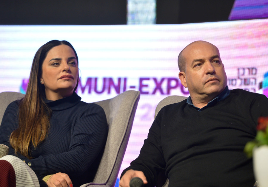 Likud petition to prohibit politicians' interviews on talk show rejected