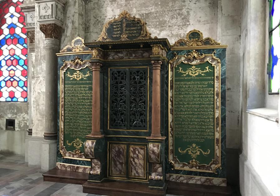 400-year-old Aron HaKodesh fully restored by Vercelli Jewish community. (Credit: Jewish Community of Vercelli)