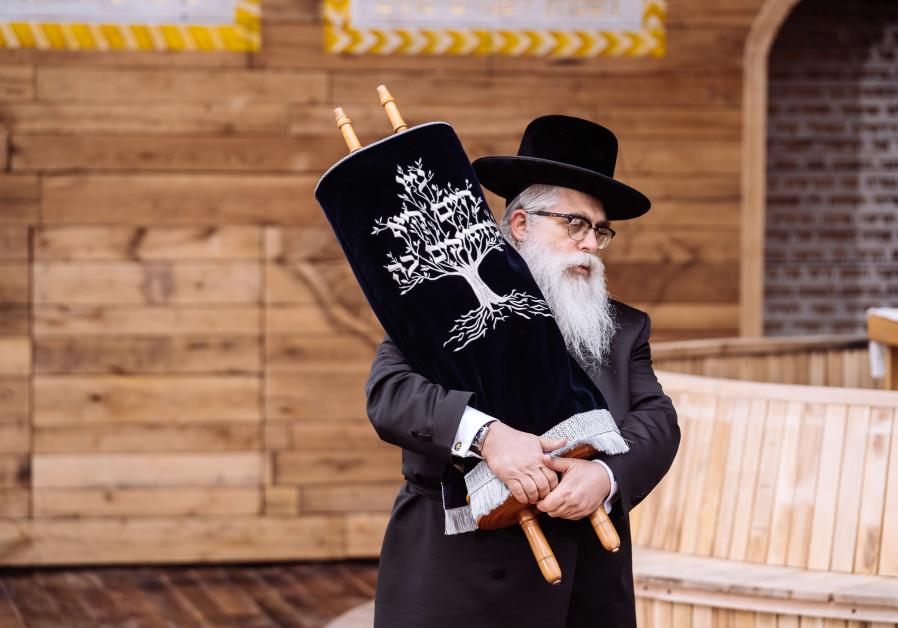 Rabbi Bleich at the synagogue in Babyn Yar (BYHMC).