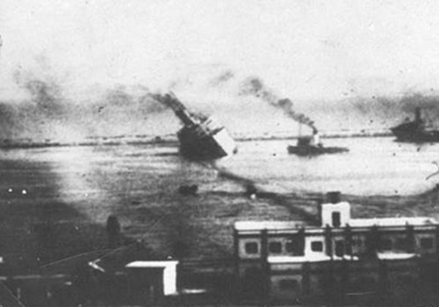 "The ""Patria"" sinking off the coast of Haifa, November 1940. (Credit: NATIONAL LIBRARY OF ISRAEL)"