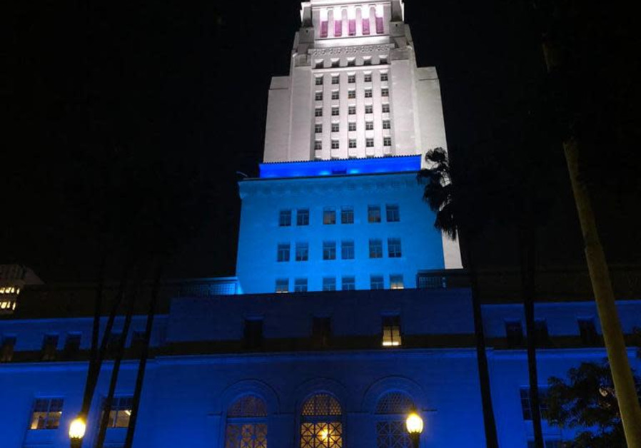 Los Angeles City Hall lights up in blue and white for Israel's 73rd Indpendence Day, April 15, 2021. (FOREIGN MINISTRY)