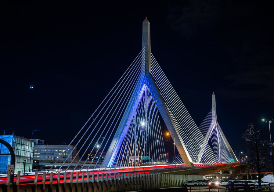 Boston's bridges light up in blue and white to celebrate Israel's 73rd Independence Day, April 15, 2021. (Credit: FOREIGN MINISTRY)