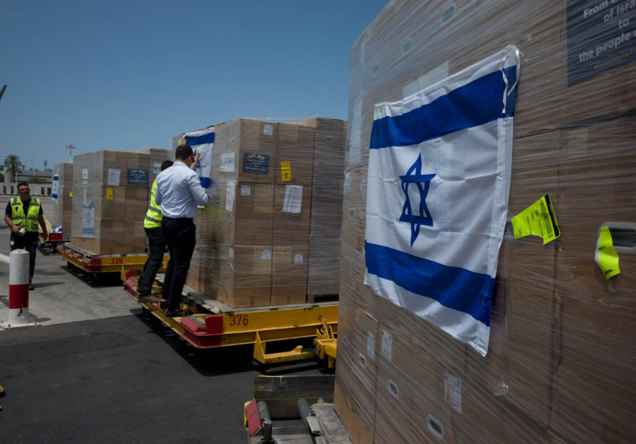 Israeli coronavirus aid being prepared to be loaded onto the Indian Air Force cargo plane. (Credit: Ministry of Foreign Affairs)