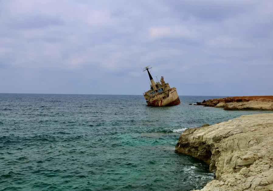 The EDRO III shipwreck (Photo credit: Hadassah Brenner).