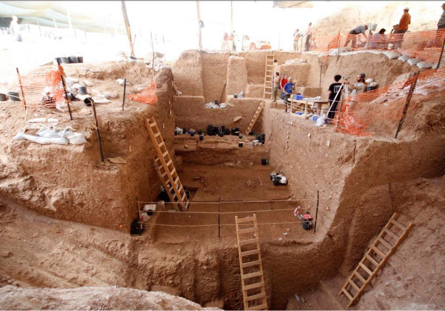 Thick archaeological layers uncovered during the dig at Nesher Ramla. (Photo credit: Dr. Yossi Zaidner)