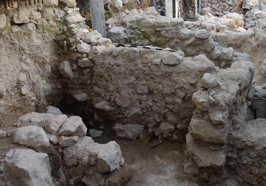 Edifícios da Idade do Ferro expostos na Cidade de David em Jerusalém, Israel.  Nome da Fotografia: ORTAL CHALAF CORTESIA DA AUTORIDADE DE ANTIQUIDADES DE ISRAEL