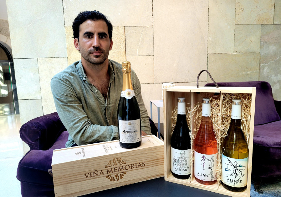 ARMANDO (YITZHAK) CARACENA MOLCHO, who lives in Israel, with the Alenar wines and Cava.