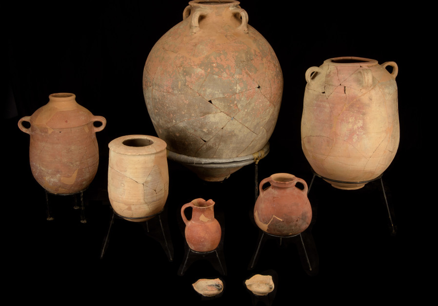 The storage vessel after restoration (Dafna Gazit Israel Antiquities Authority).