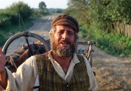 'Tevye the Dairyman' played by Chaim Topol in the popular 1971 film, 'Fiddler on the Roof'
