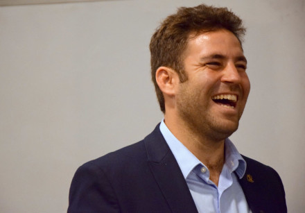 Ofer Berkovitch campaigns with Olim.