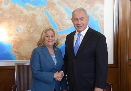 Prime Minister Benjamin Netanyahu meets Congresswoman Ileana Ros Lehtinen, October 22, 2018