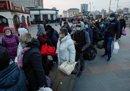 Passengers, including Russian citizens, who are evacuated by train to Russia after Ukrainian authori