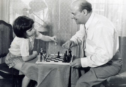 Miriam Friedman Morris with her father, the chess enthusiast and portraitist, David Friedmann. 1957