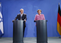Israeli PM Netanyahu and German Chancellor Merkel address a news conference