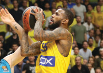 Maccabi Tel Aviv guard Pierre Jackson led his team with 19 points in last night's 77-69 victory at K