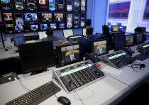 Prime Minister Benjamin Netanyahu on monitors in Channel 10's control room