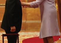 Frank Lowy and Queen Elizabeth.