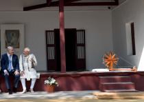 Israeli Prime Minister Benjamin Netanyahu and Indian Prime Minister Narendra Modi in India, January