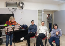 ALUT friends attend a concert with violinist Ruth Fazal at the