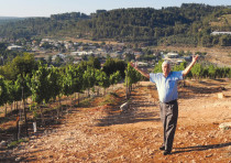 JACQUES CAPSOUTO in his Western Galilee vineyard